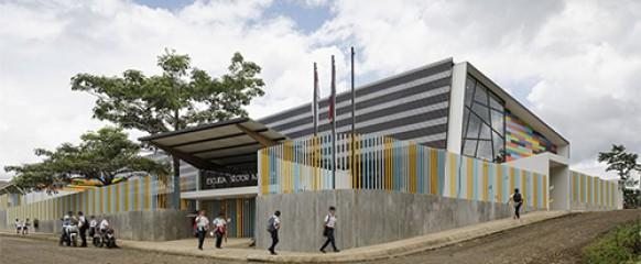 Presentación de Tesis sobre Arquitectura Educacional